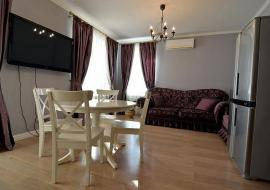 2-х комнатная новая  ул Платановая - Снять квартиру в Алуште ул. Платановая